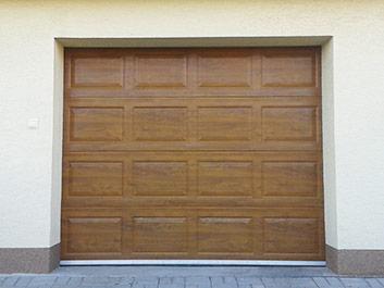 Sekčná garážová brána